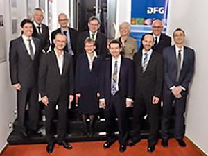 Kein Blick für Exzellenz - Die Verleihung des Leibniz-Preises 2015. (Foto: DFG)