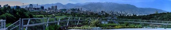 Teheran - Vielleicht nicht die schönste Stadt, aber eine moderne Skyline mit eindrucksvoller Bergkulisse.