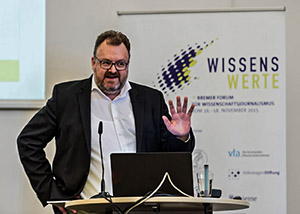 """""""Ausbrechen aus der Wissenschaft"""" - Jürgen Kaube, Eröffnungsredner der """"Wissenswerte 2015""""."""