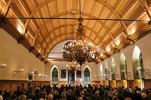 Wissenschaftskommunikation in historischem Saal: Rathaus Nürnberg